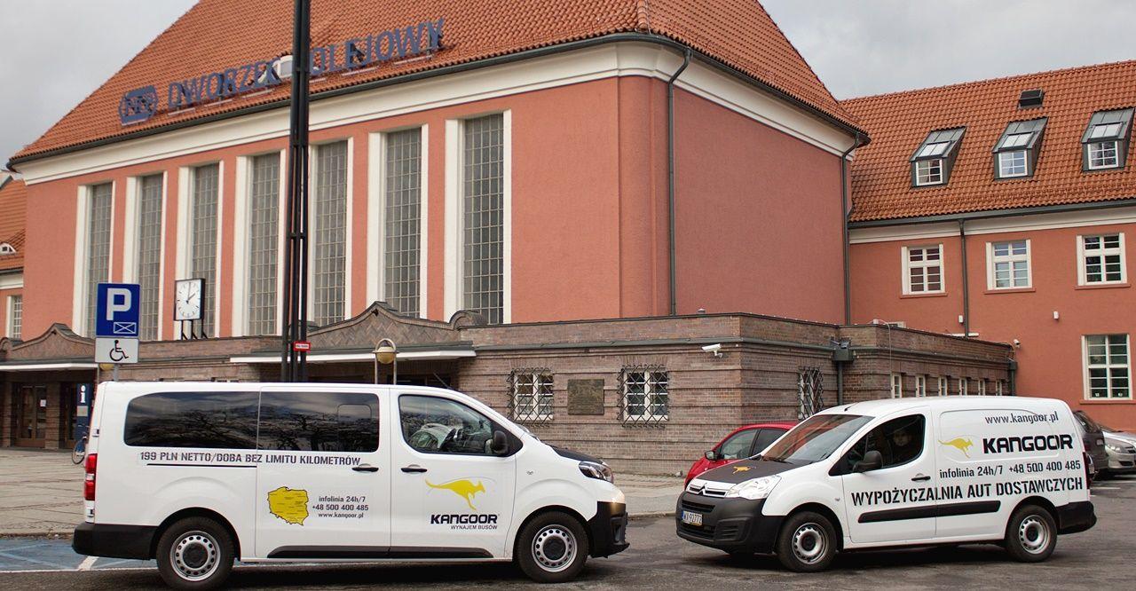 Młodzieńczy Wynajem samochodów dostawczych, busów, vanów Gliwice tanio YS09